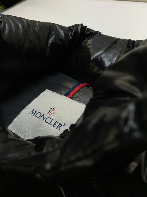 モンクレール(MONCLER)ダウンジャケットのクリーニング2